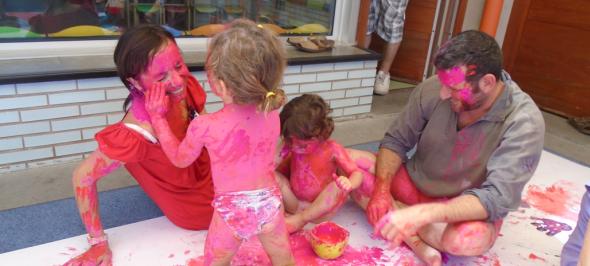 Pintura corporal a les llars d'infants de Sabadell