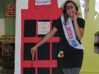 Miss Fun ensenya anglès als més menuts