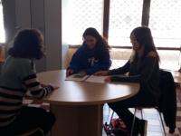 Estudiants d'integració social coneixen visiten el servei de Mediació de Mataró
